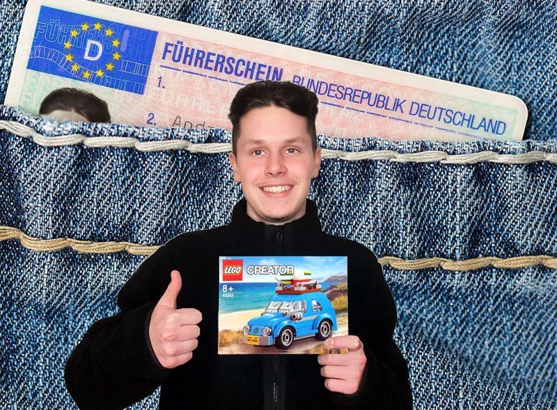 Jannik mit Führerschein